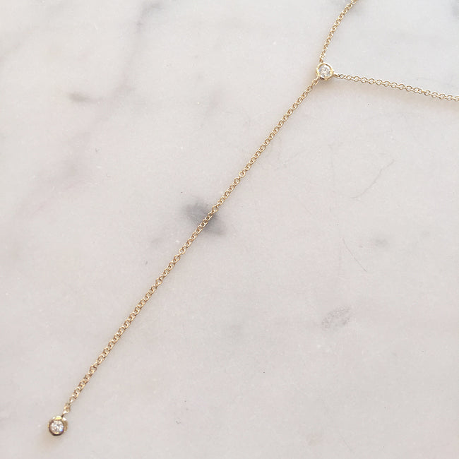 MINIMALIST DIAMOND LARIAT NECKLACE