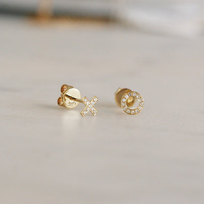XO DIAMOND STUDS - katie diamond jewelry