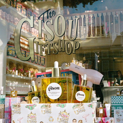 Gisou's Holiday Pop-up Store: <br> The Gisou Gift Shop
