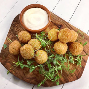 FROZEN. FRY AT HOME. Wild mushroom, wild garlic and truffle croquetas (Box of 8)