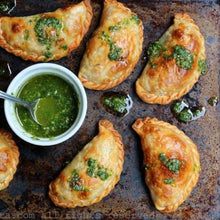 Load image into Gallery viewer, OCT STARTER FOR 2. Argentinian empanadas (meat or veggie) w/ roast garlic & herb aioli