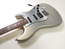 Load image into Gallery viewer, Fender Mex Lonestar Stratocaster 2014 ghost silver