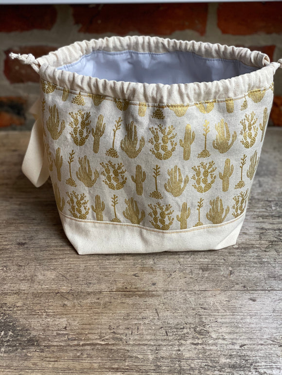 Made to order - Botanical yarn - Project bag style 01 - Gold Cactus