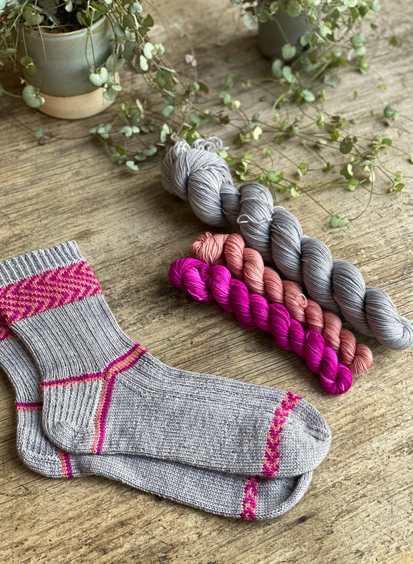 Ready to ship - Sock kit - Astrid Socks