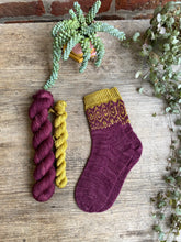 Load image into Gallery viewer, Dyed to order - Sock kit - Intertwined socks by Bloom Create