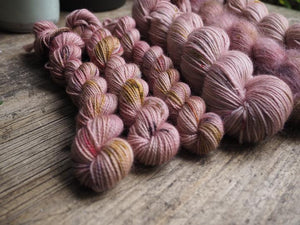 Dyed to order - Botanical yarn - Hydrangea aspera