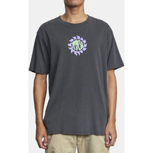 Load image into Gallery viewer, GLUE FLOWER SHORT SLEEVE TEE