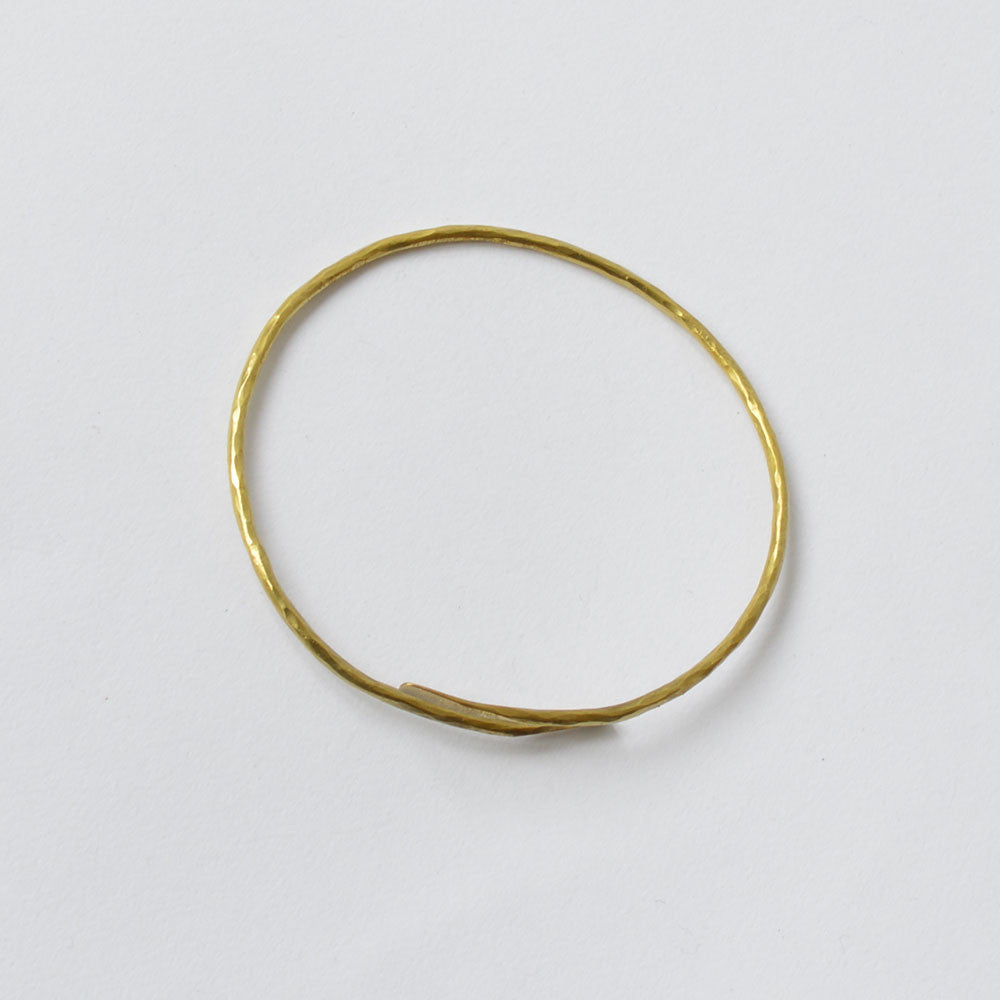 Hammered Brass Simple Bangle