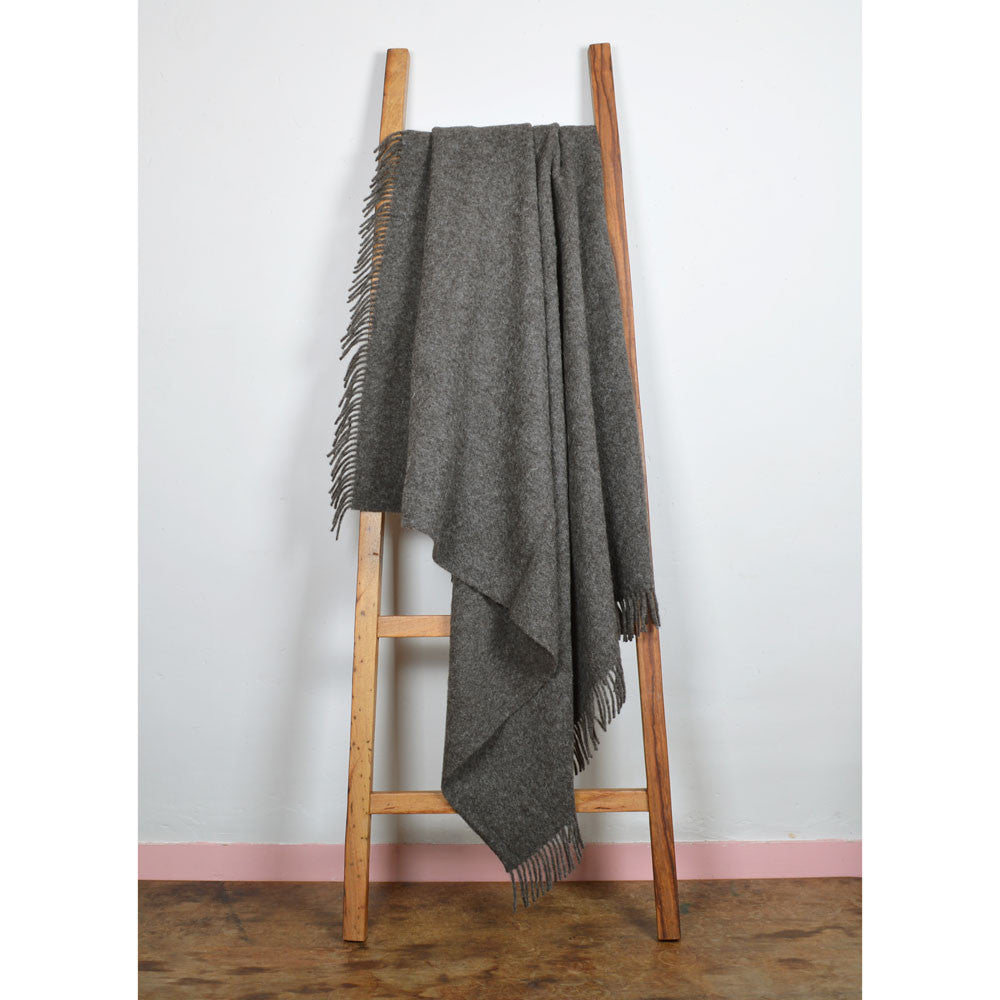 Real Shetland Wool Throw Un-dyed - naturally coloured grey