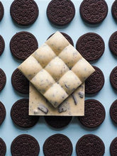 Load image into Gallery viewer, Treat Dreams Cookies & Cream White Chocolate Bar