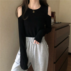 Off-the-shoulder long-sleeved round neck t-shirt top