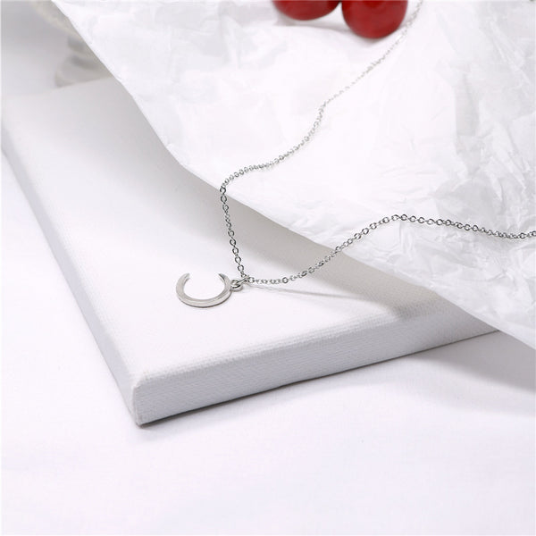 Vintage moon crescent clavicle chain necklace