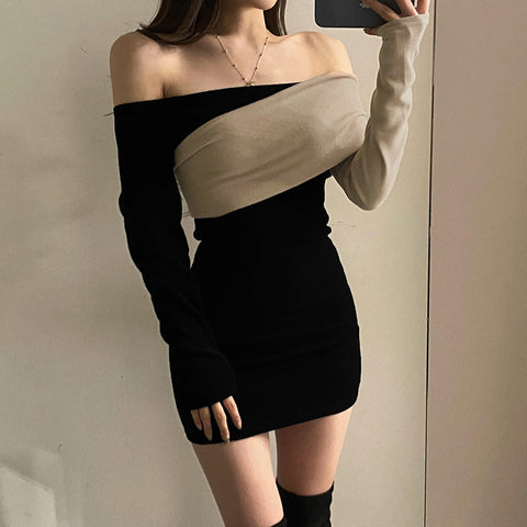 Contrasting color long sleeve one-shoulder short dress