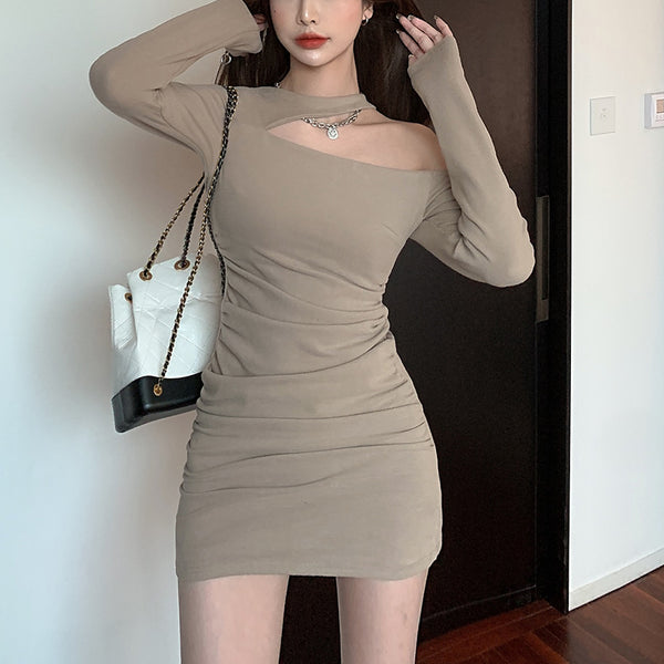 Fashion oblique shoulder pleated long sleeve dress