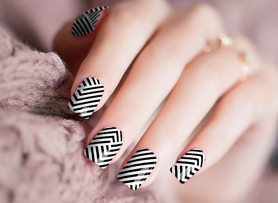 BewLady Nails - Stripe Me