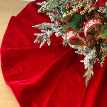 Load image into Gallery viewer, French Velvet Tree Skirt