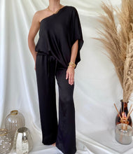 Load image into Gallery viewer, Black Satin Wide Leg Pants