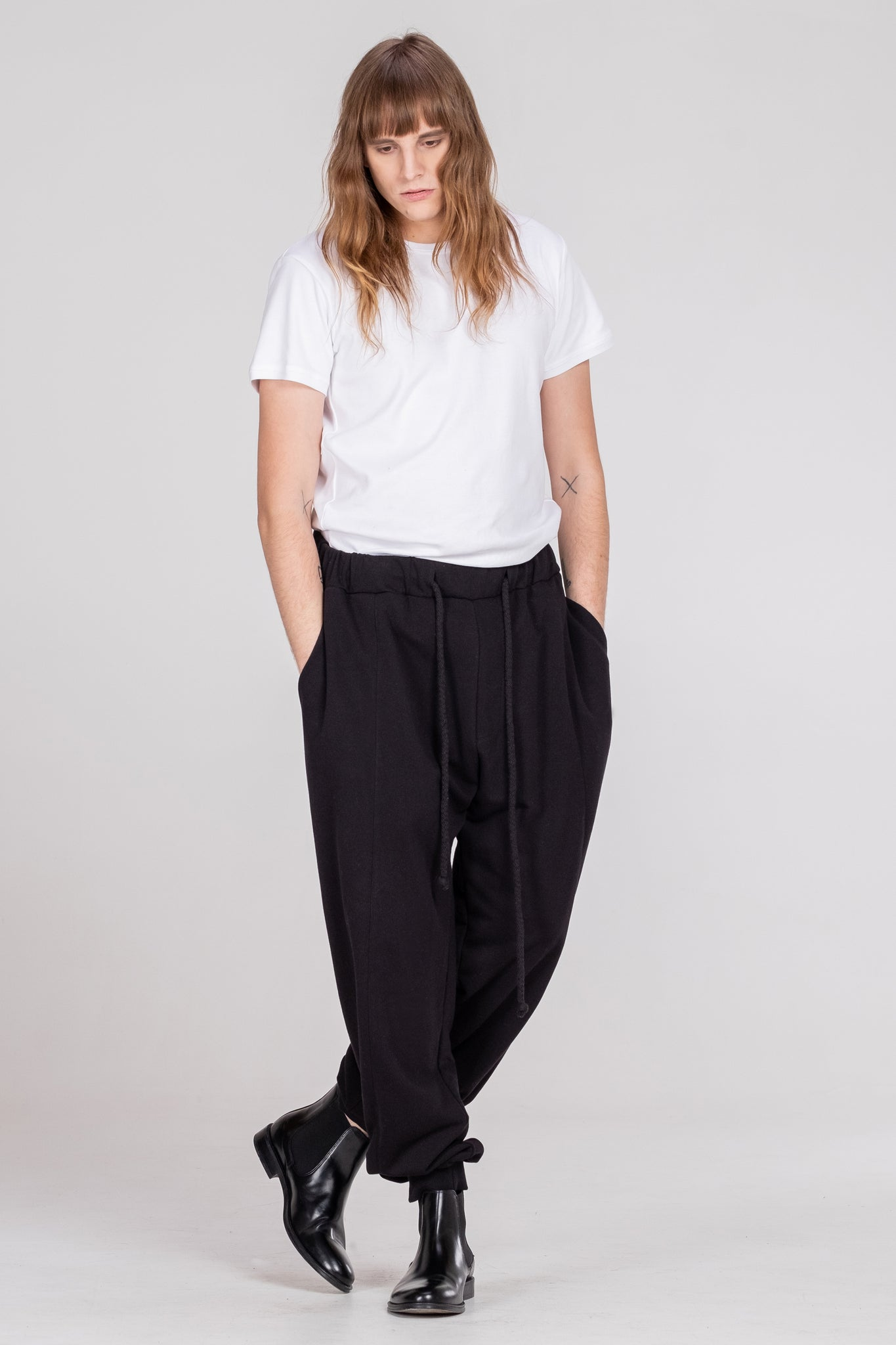 NORMAL sweatpants black - One Wolf