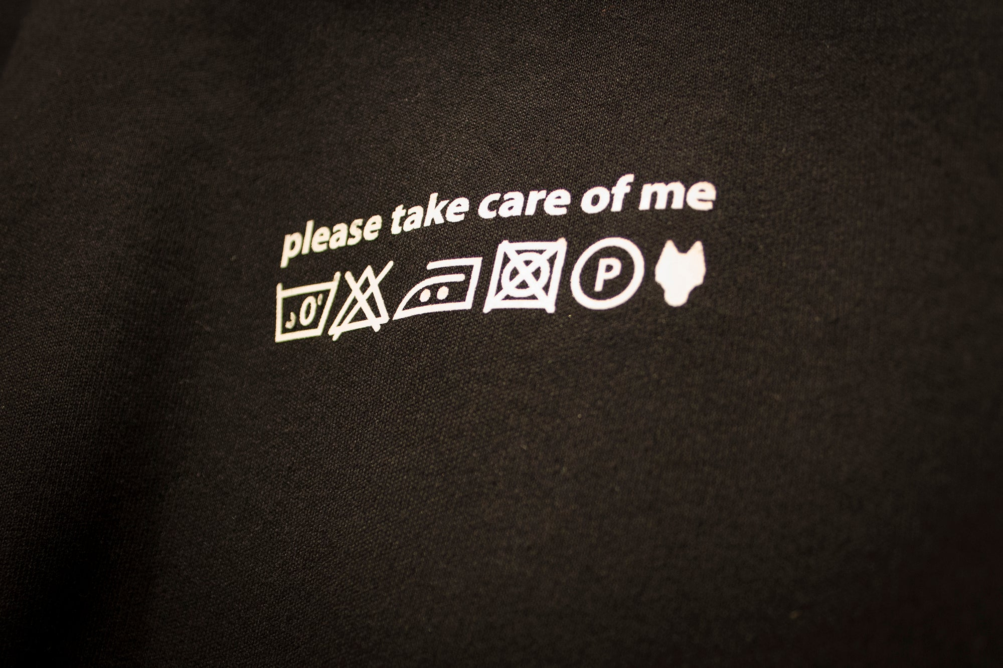 T-Shirt CARE OF ME black/white - One Wolf