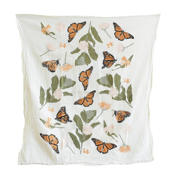 One of our favorite designs, inspired by the beautiful contrasting color palette of monarchs in their natural habitat. Screen printed on flour sack cotton to preserve its uniquely soft, absorbent and durable nature, this towel is machine washable and safe to bleach allowing it to hold up in the busiest kitchens.