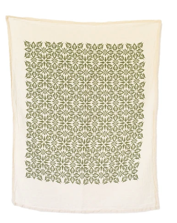 These Green Nettle Printed Towels are the perfect way to sprinkle some seasonal charm into your kitchen!