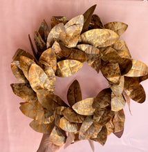 Load image into Gallery viewer, Metallic Leaf Wreath