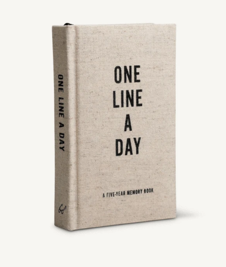 This One Line a Day Memory book features a rich oatmeal-colored, canvas cloth case; striking metallic page edges; and a ribbon page marker.