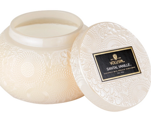 Dreamy scents of Santal, French Bourbon Vanilla & Oud fill the air with this Voluspa favorite!