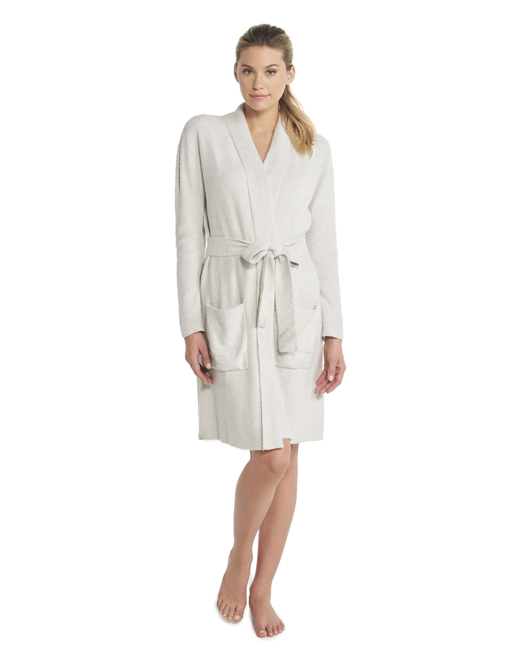 This Barefoot Dreams Heathered Silver/Pearl Ribbed Robe keeps you cozy and comfy