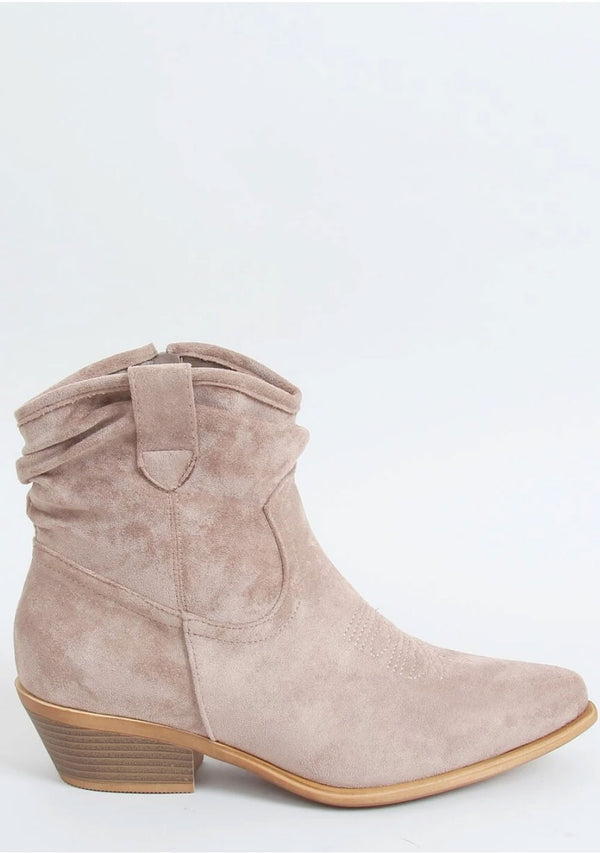 Ankle Boots im Western-Stile
