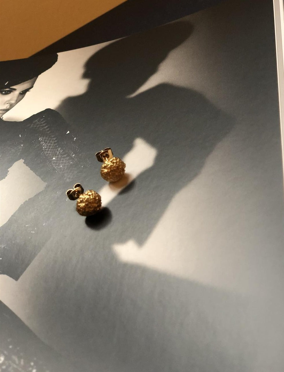 Raring Opaque  Objects - matte gold plated