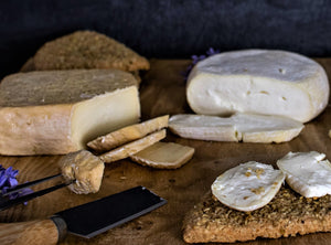 Strathearn, Wee Comrie & Packet of Strathearn Cheese Oatcakes - FREE DELIVERY!