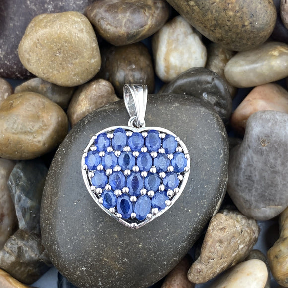 Sapphire pendant set in 925 Sterling Silver
