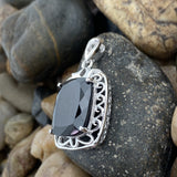 Spinel pendant set in 925 Sterling Silver