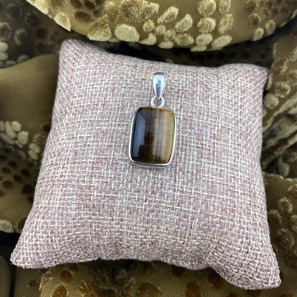 Tigers Eye Pendant 26