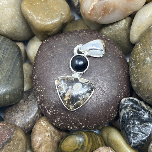 Turtela Jasper and Black Onyx pendant set in 925 Sterling Silver