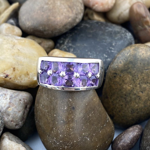 Amethyst ring set in 925 Sterling Silver