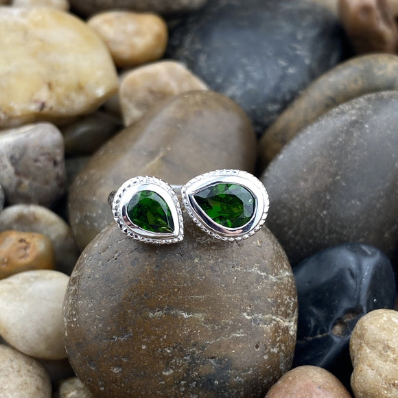 Chrome Diopside ring set in 925 Sterling Silver
