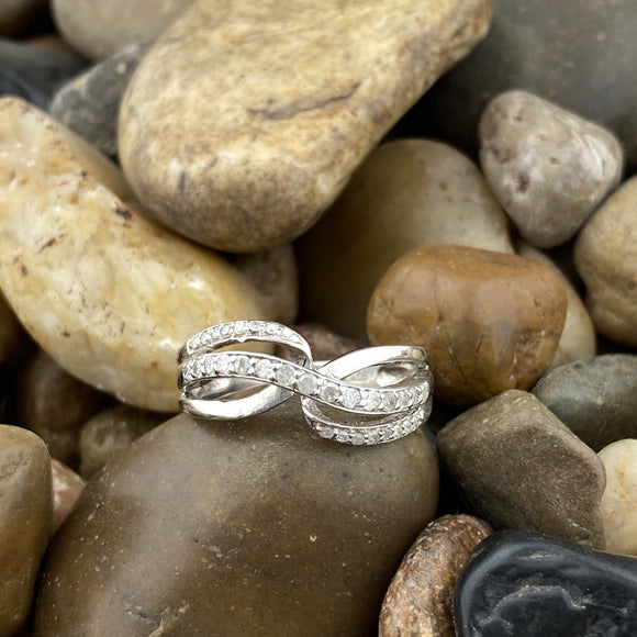 Diamond ring set in 925 Sterling Silver