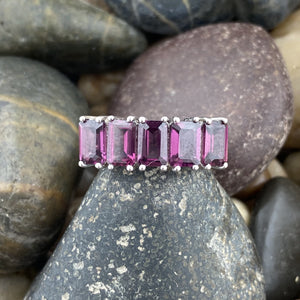 Rhodolite Garnet ring set in 925 Sterling Silver