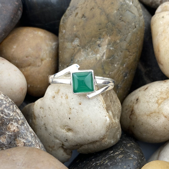 Green Onyx ring set in 925 Sterling Silver