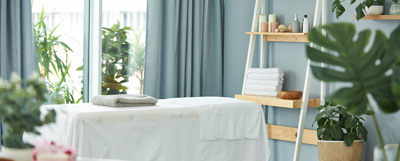 What Do I Wear for a Massage? article banner