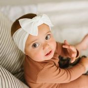Load image into Gallery viewer, Baby Bling Classic Knot Headband