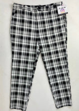 Load image into Gallery viewer, Forever 21 Pants Size 2X