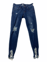 Load image into Gallery viewer, Denim Size 1/2 (26)