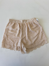 Load image into Gallery viewer, H & M Shorts Size Small