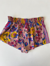 Load image into Gallery viewer, Billabong Shorts Size Small