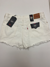 Load image into Gallery viewer, Levi Shorts Size 3XL