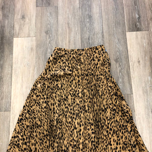 Primary Photo - BRAND:   CHARTOU STYLE: SKIRT COLOR: ANIMAL PRINT SIZE: M OTHER INFO: CHARTOU - SKU: 137-13714-181380