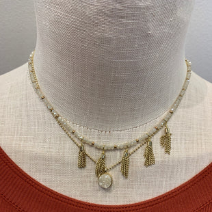 Primary Photo - BRAND:    CLOTHES MENTOR STYLE: NECKLACE COLOR: GOLD SKU: 137-137158-9147